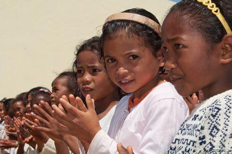 1024px-malagasy_girls_madagascar_merina