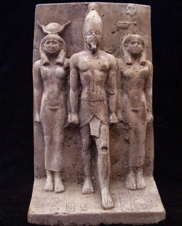 ancient-egyptian-statues-1